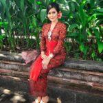Kebaya Bali Merah Senada