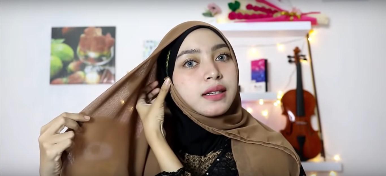 Tutorial Hijab Kerudung Paris