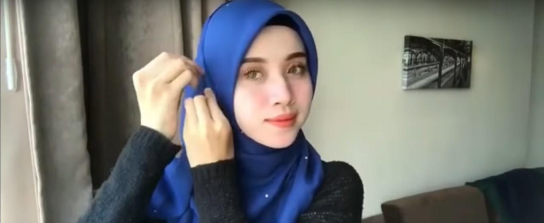 Tutorial Hijab Menggunakan Kerudung Segitiga