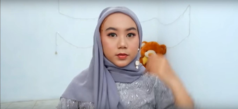 Tutorial Hijab Pakai Kebaya