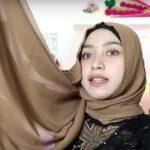 Tutorial Hijab Paris Dua Warna