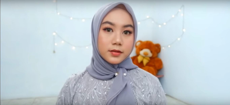 Tutorial Hijab Paris Segi Empat Polos