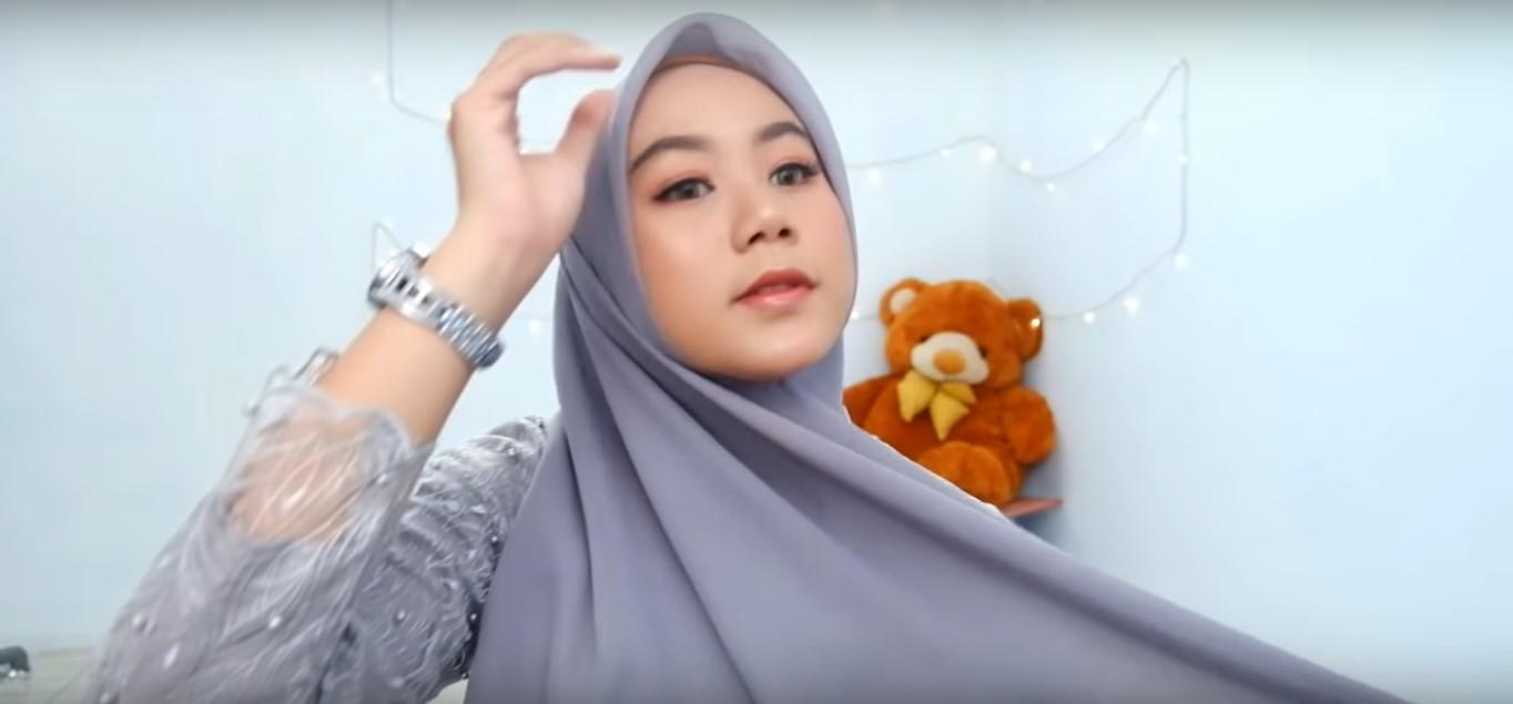Tutorial Hijab Paris Segi Empat Simple Untuk Wajah Bulat