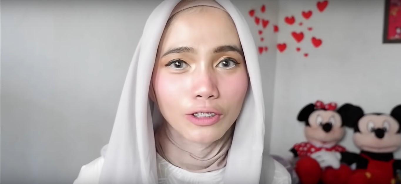 Tutorial Hijab Paris Segi Empat Untuk Wisuda