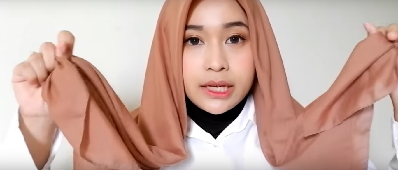 Tutorial Hijab Paris Segitiga Simple