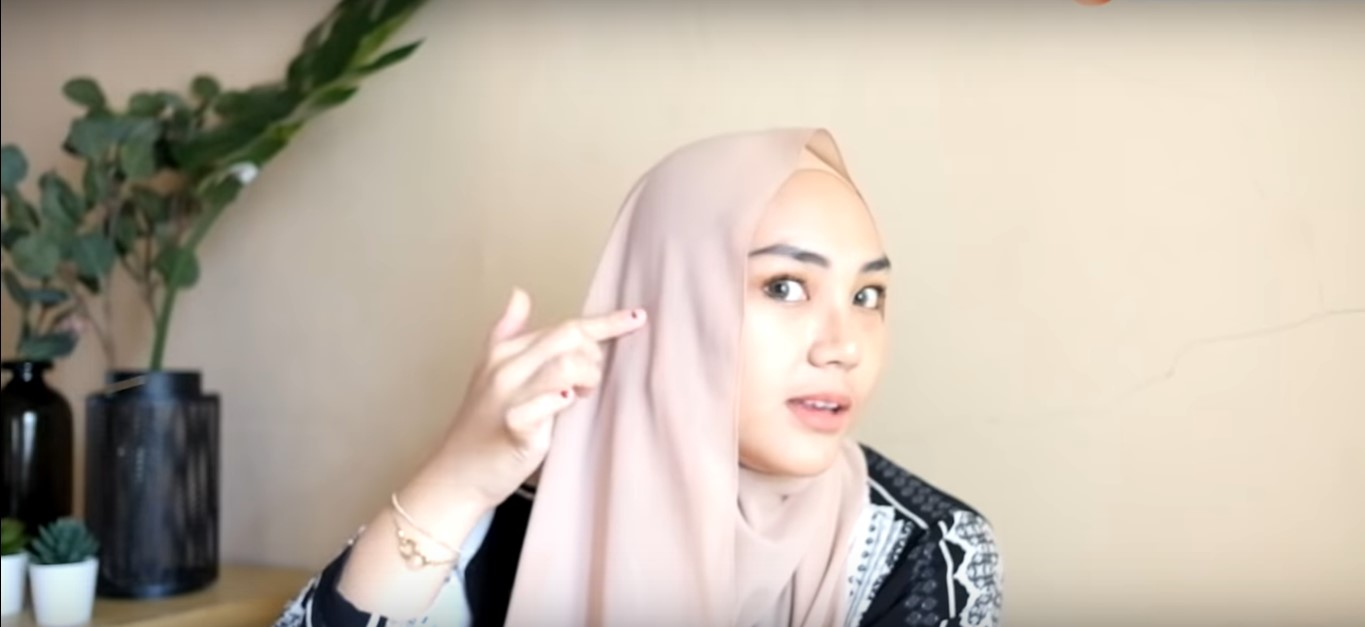 Tutorial Hijab Paris Simple Dan Modis