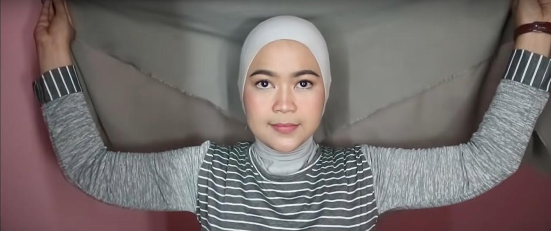 Tutorial Hijab Pashmina Menutup Dada