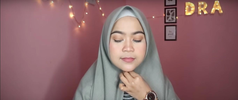 Tutorial Hijab Pashmina Menutup Dada Yang Simple