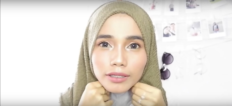 Tutorial Hijab Pashmina Rawis Renda Simpel