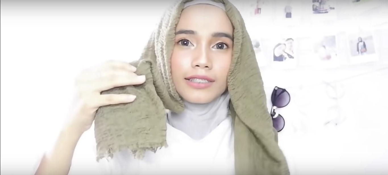 Tutorial Hijab Pashmina Rawis Renda Yang Mudah