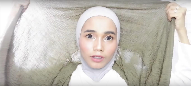 Tutorial Hijab Pashmina Renda Rawis Simple