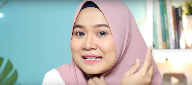 Tutorial Hijab Pashmina Simple Untuk Wajah Bulat