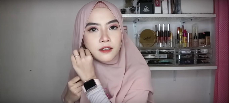 Tutorial Hijab Pashmina Simple Untuk Wisuda