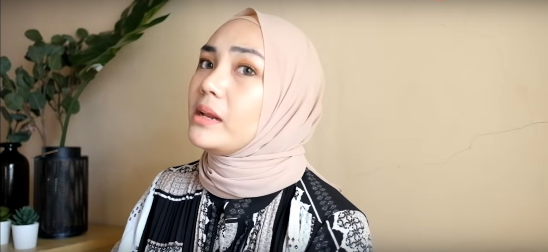 Tutorial Hijab Pashmina Simple dan Modis