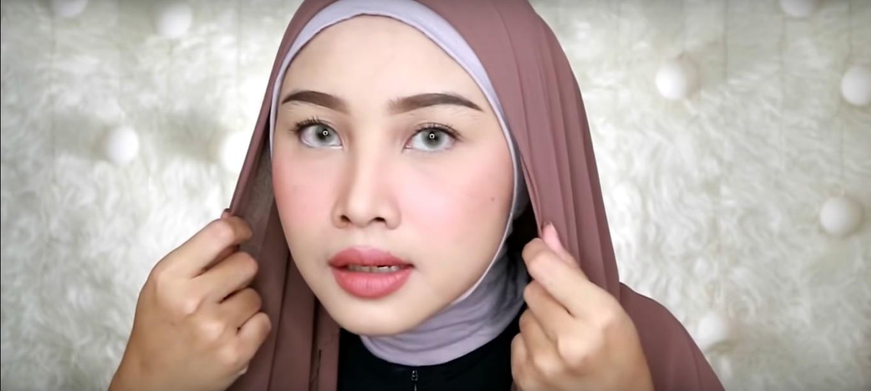 Tutorial Hijab Pashmina Wisuda