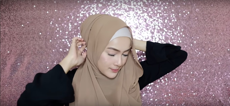 Tutorial Hijab Pashmina Yang Simple