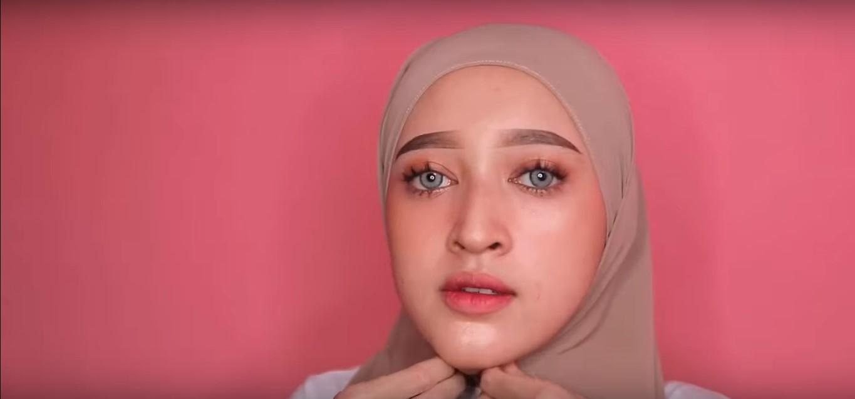 Tutorial Hijab Pasmina Pesta Yang Simple