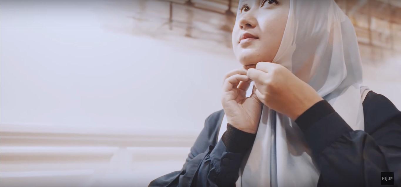 Tutorial Hijab Pesta Dian Pelangi