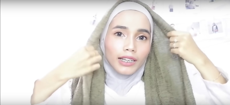 Tutorial Hijab Rawis Renda