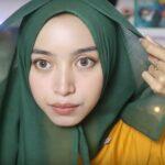 Tutorial Hijab Satin Segitiga