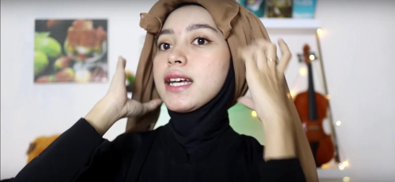 Tutorial Hijab Segi Empat Bahan Satin Untuk Pesta