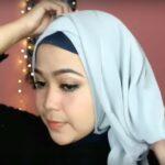 Tutorial Hijab Segi Empat Paris Simple