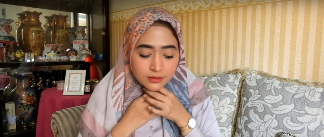 Tutorial Hijab Segi Empat Rawis Simple