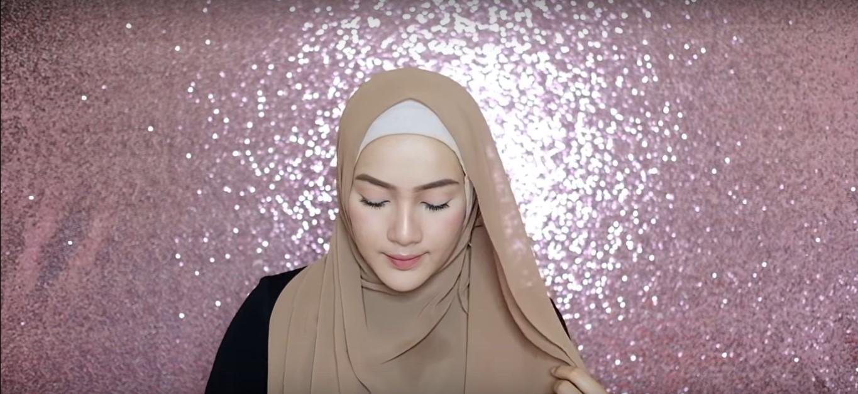Tutorial Hijab Segi Empat Simple Dan Modis