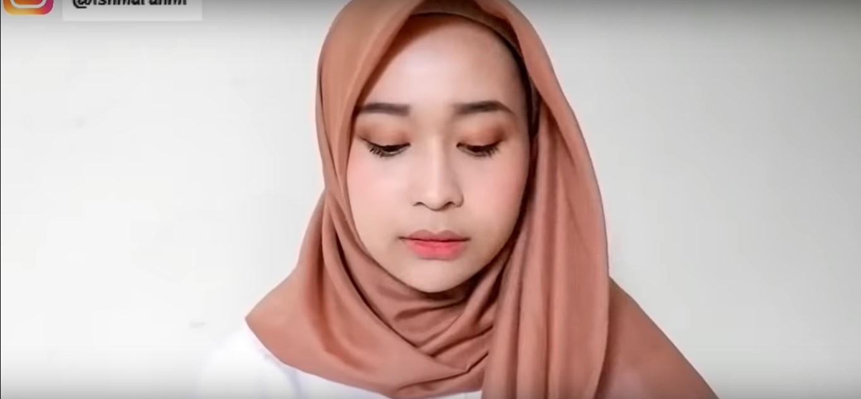 Tutorial Hijab Segi Empat Simple Untuk Wajah Bulat
