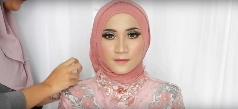 Tutorial Hijab Segi Empat Untuk Kebaya Simple