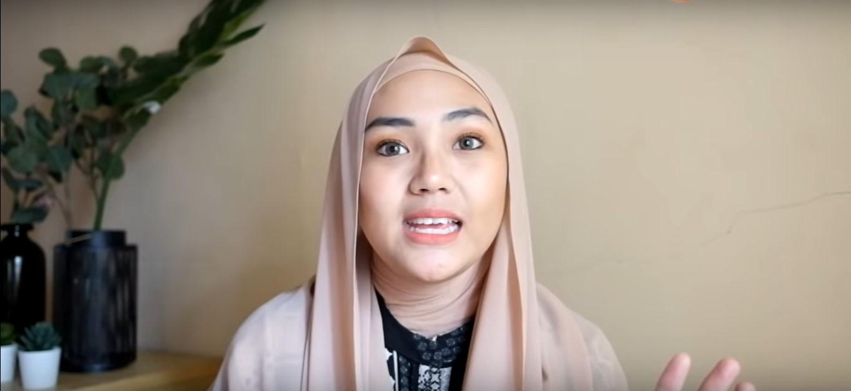Tutorial Hijab Segi Empat Yang Simple