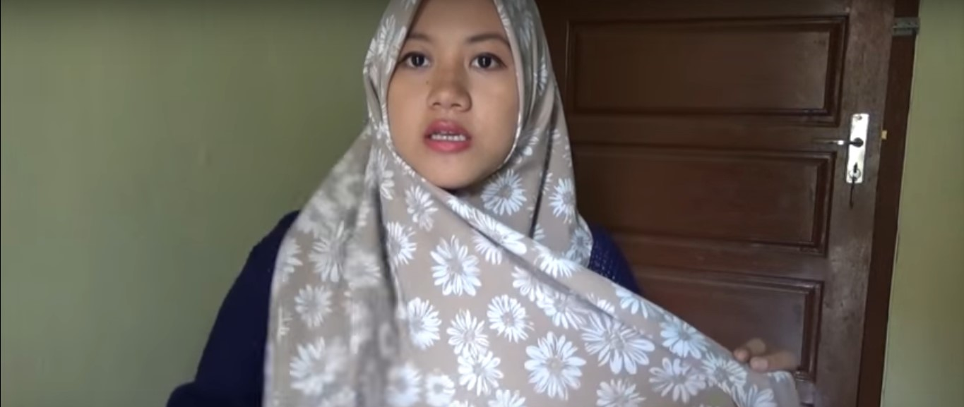 Tutorial Hijab Segitiga Simple Casual