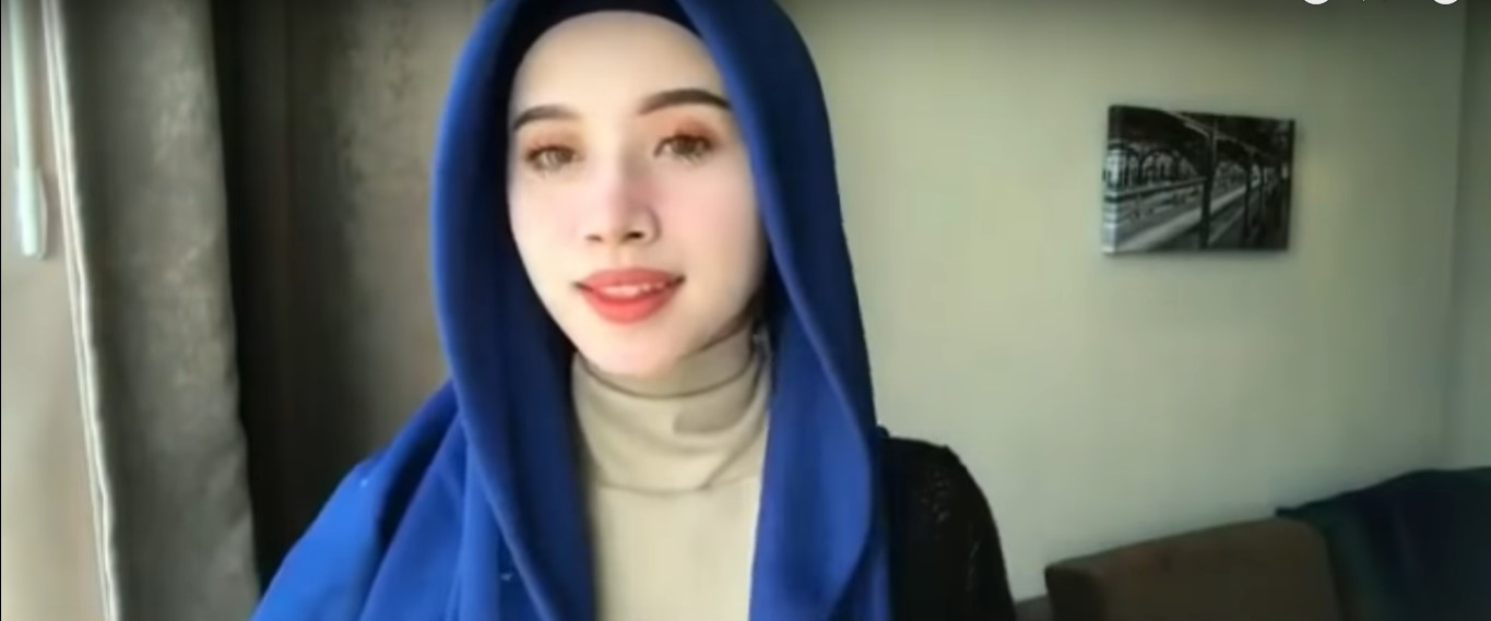 Tutorial Hijab Segitiga Simple Untuk Pesta