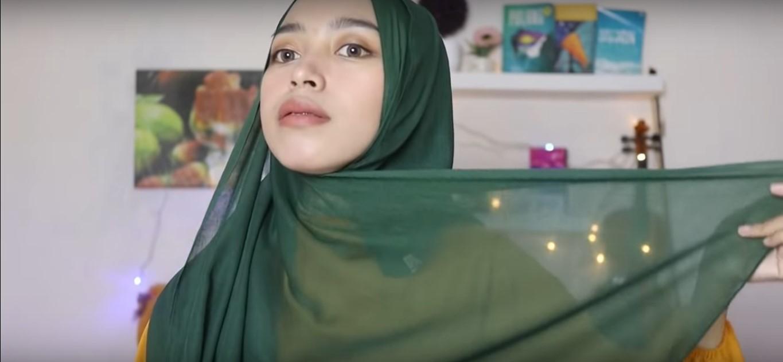 Tutorial Hijab Segitiga Tanpa Ninja