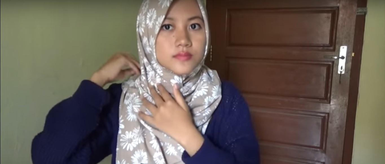 Tutorial Hijab Segitiga Untuk Kebaya