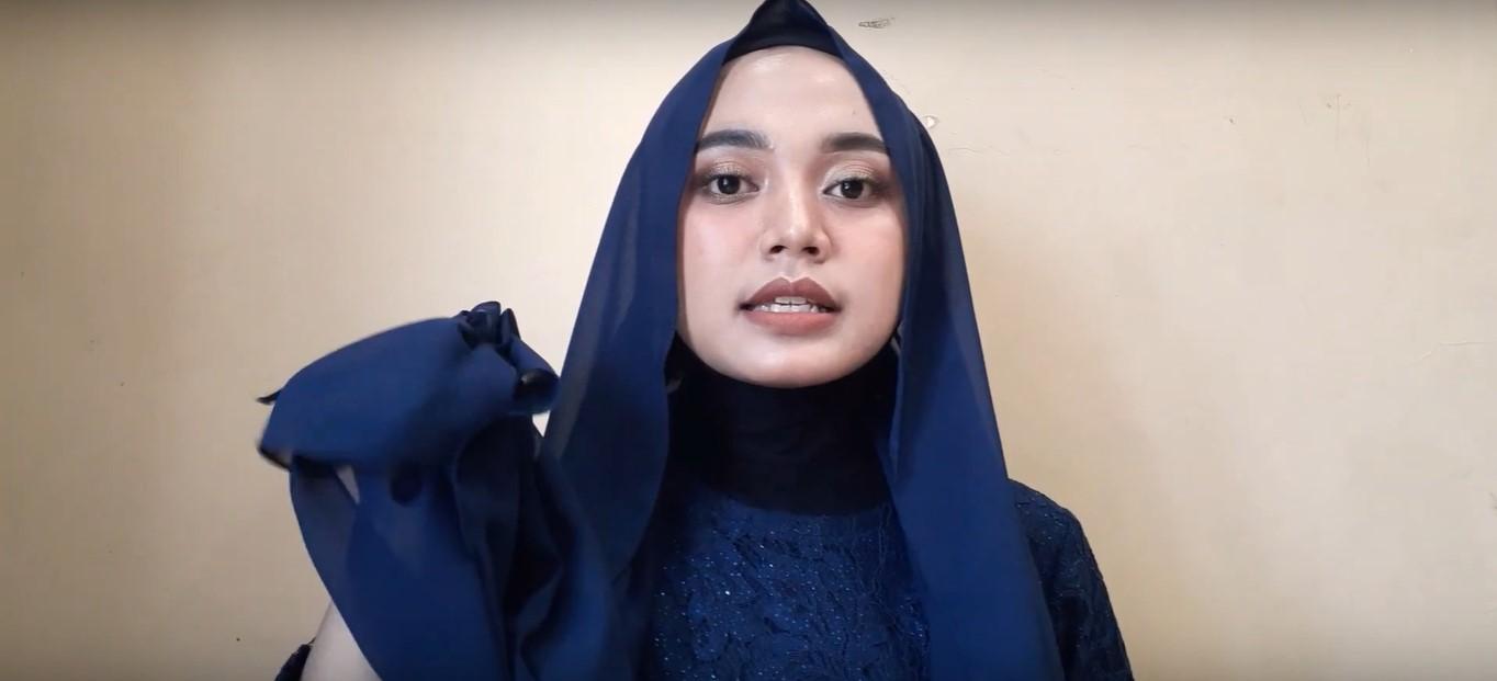 Tutorial Hijab Segitiga Untuk Pesta