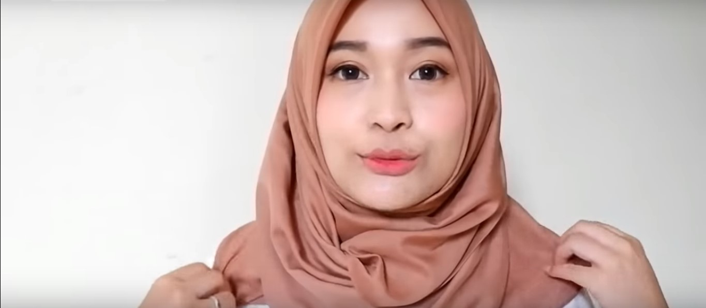 Tutorial Hijab Segitiga Wajah Bulat