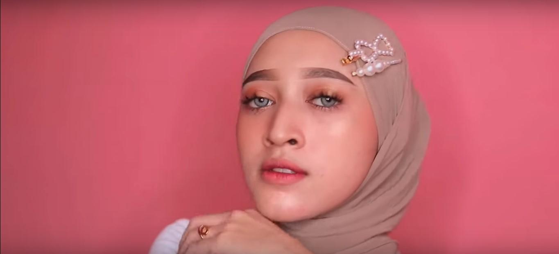 Tutorial Hijab Simple Pashmina Untuk Ke Pesta