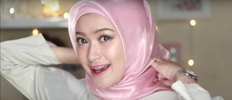 Tutorial Hijab Turban Wisuda