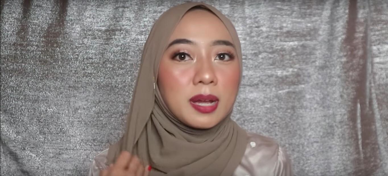 Tutorial Hijab Untuk Acara Wisuda