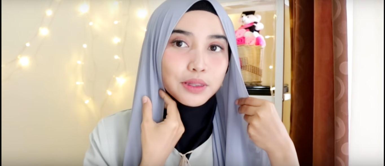 Tutorial Hijab Untuk Kebaya Wisuda