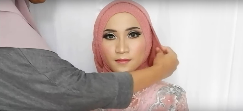 Tutorial Hijab Untuk Pakaian Kebaya