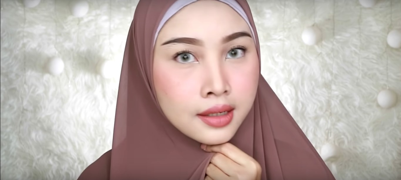 Tutorial Hijab Untuk Wisuda Simple