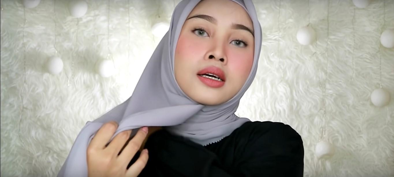 Tutorial Hijab Wisuda Modern