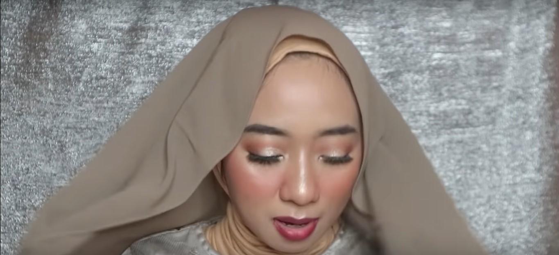 Tutorial Hijab Wisuda Simpel