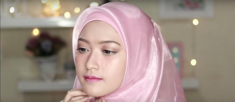 Tutorial Hijab Wisuda Simple Segi Empat