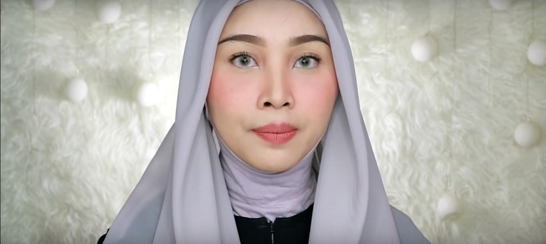 Tutorial Hijab Wisuda Simple