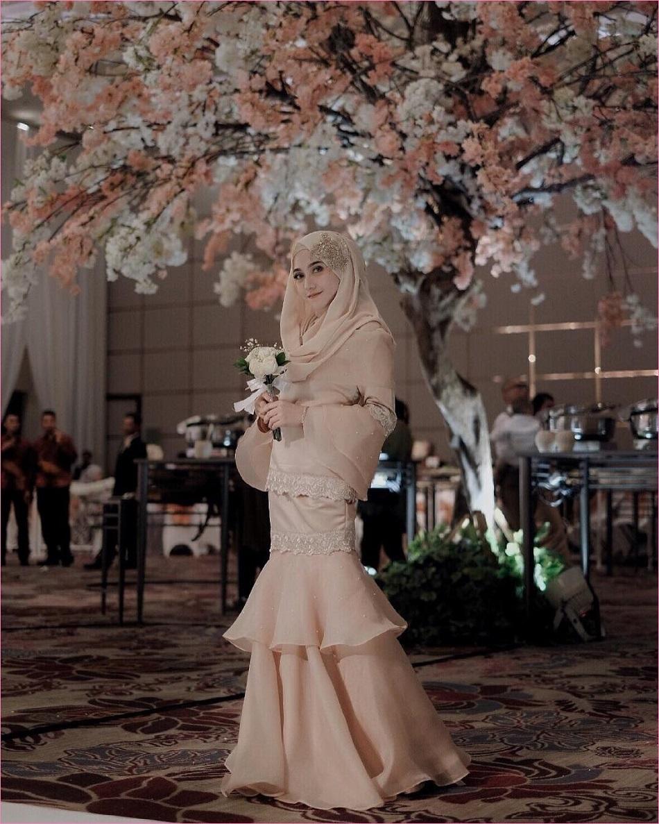 Baju Bridesmaid dengan Bahan Organza