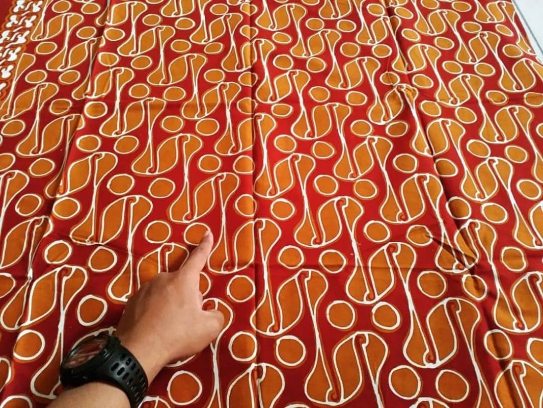Batik Parang Rusak Barong Warna Cerah