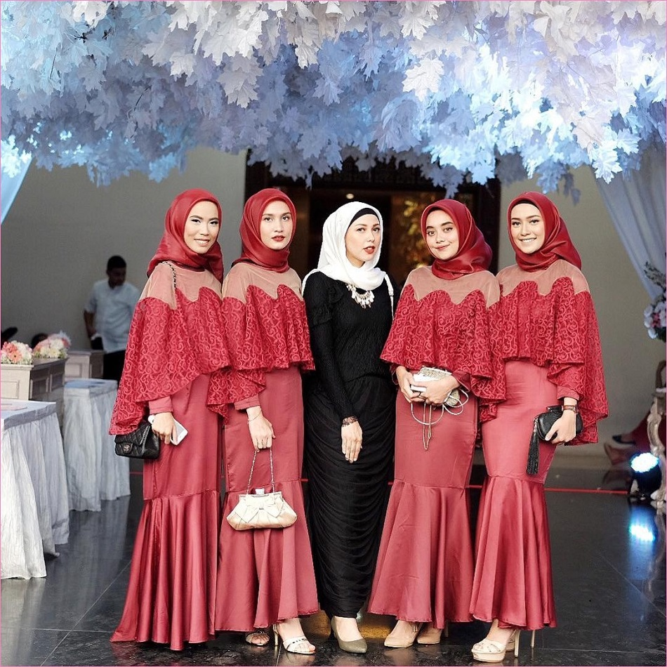 Dress Bridesmaid Hijab Maroon